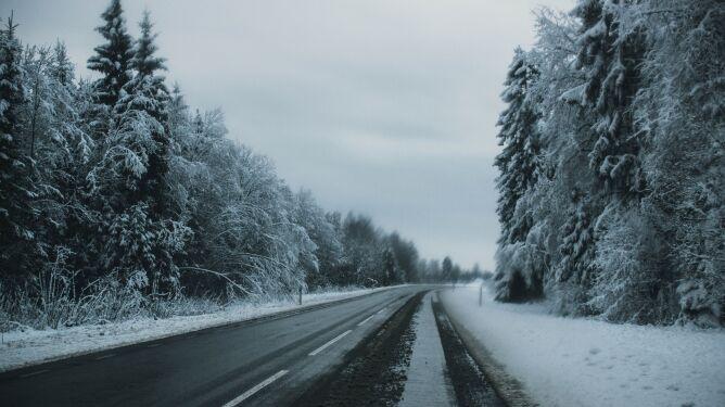 Miejscami jazdę utrudni śnieg