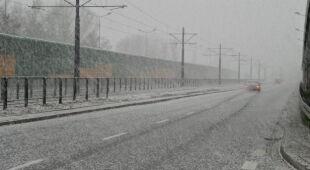 Śnieg na Bemowie (Lech Marcinczak / tvnwarszawa.p)