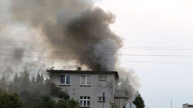 Czwartek z gwałtowną pogodą. <br />Dom zapalił się po uderzeniu pioruna